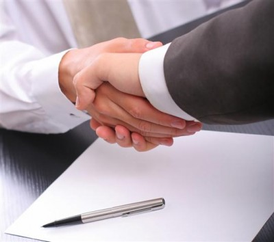 handshake-400x354